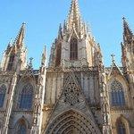 Katedralın mimarisi görülmeye değer.