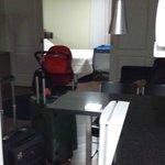 Sala e quarto do apartamento