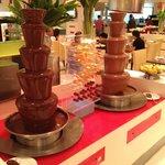 buffet breakfast chocolate fountain :D