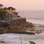 Suhaimi & family @ Tanah Lot Temple with Bali Halal Tours