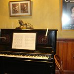 Bar mock-up piano