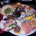 Ottimo per Pesce e Pizze. Peccato che il ristorante è gestito da due GOBBI