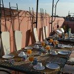 Petit-dejeuner en terrasse