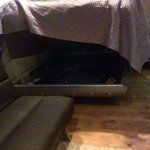 extra storage space under the bed - smart use of space