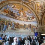 The crowds in the Raphael room