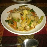 steamed rice with chicken vegetable