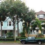 Watergarden Inn at the Bay (yellow) Veranda & Bay Gables Suites (blue)