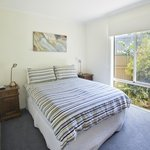 Yellow B&B-double bedroom