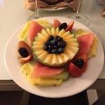 I liked the complementary fruit platter a lot!
