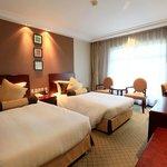 Hotel Deluxe Room (Twin Beds)