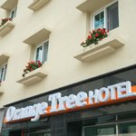 Orange Tree Hotel & Cafe