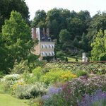 Le Château depuis l'Enclos fleuri