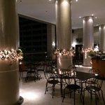 Restaurant au sommet de la tour city garden avec superbe vue sur Makati