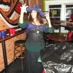 Jacqueline (Jackie) - Une des responsables dans la salle de vie - Durant Halloween je vous rassu