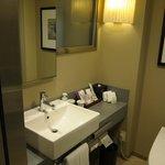 A decently sized bathroom