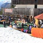 la terrazza direttamente sulla pista da sci