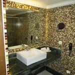 Barhroom 405