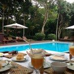 Café da manha na piscina