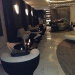 Lobby e bar do hotel