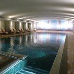Kaum Platz für die Liegen am Pool