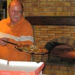 rudy mocht zelf een pizza uit de oven halen