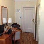 Room 475