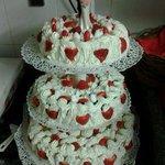 Torta matrimonio panna e fragole