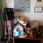 Bastoncini e cappelli in prestito gratuito