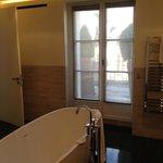 doors to terrace from bathroom