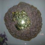 Risotto con spumante e lamponi con foglia d oro