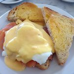 Poached egg with salmon