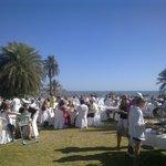 repas midi extérieur face mer