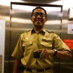 Di lift-pun bergaya