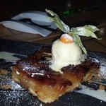 Tarta de manzana con crema inglesa