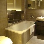 Reasonable size bathtub