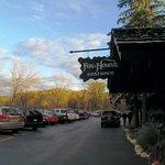 Fox&Hounds Restaurant Entrance2