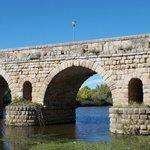 Modern Bridge seen through the Roman one