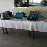 Este es el desayuno continental de un hotel 4 estrellas? Saquen sus propias conclusiones. Foto t