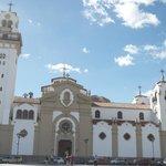 Catedral estilo monumental e  insular