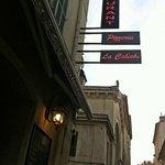 La Calèche - the sign