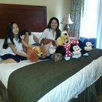 Nos na suite do hotel na companhia da turma da Disney