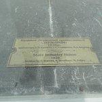 Miniature white marble replicas - description