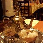 Le thé à la menthe fraîche,  chez Amadeus.