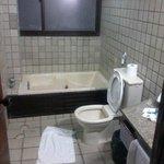 bathroom = 6th floor