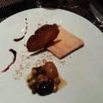 Foie gras au miel et aux fruits secs