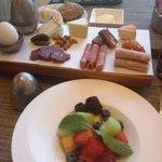 European-style breakfast at moZEN.