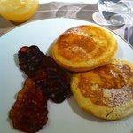 カメリアの朝食  パンケーキ