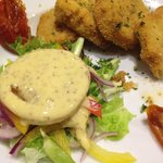 Starter Breaded Mushroom Stuffed with Pesto & Cream Cheese