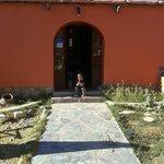 mi hija en la puerta