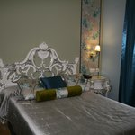 beautiful upgraded room